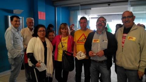Manifestaci a l 39 oficina de treball del carrer casta os de - Soc oficina de treball ...