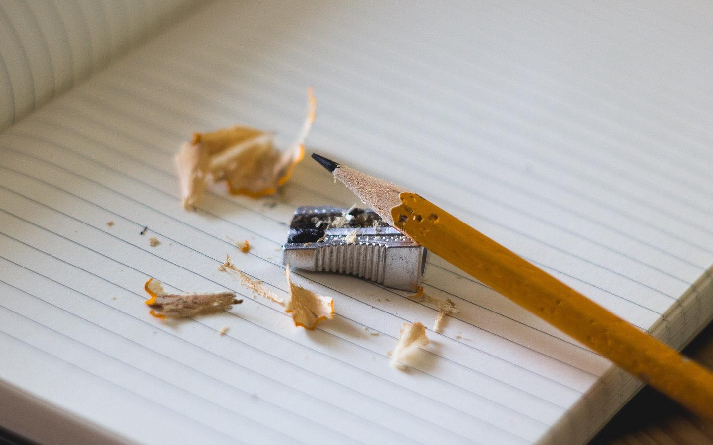 Llapis i maquineta en el sector de l'educació