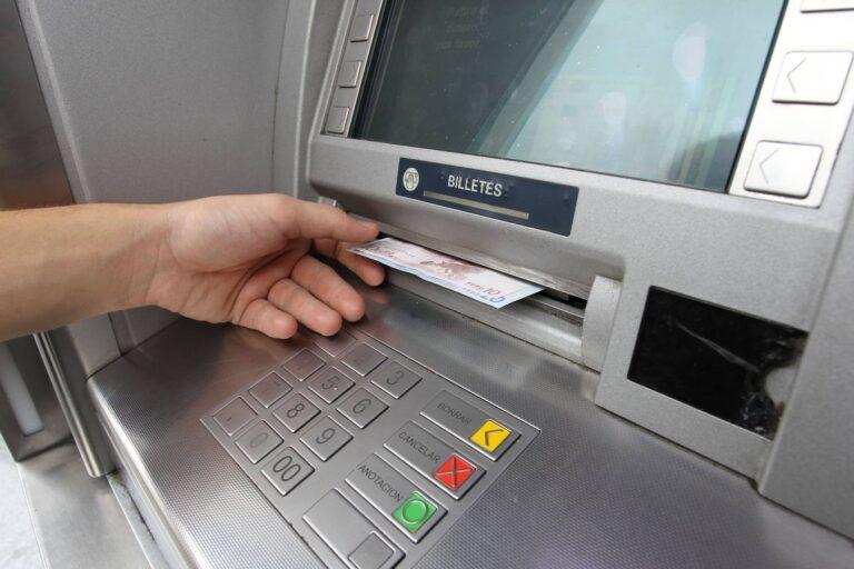 Caixer automàtic amb euros