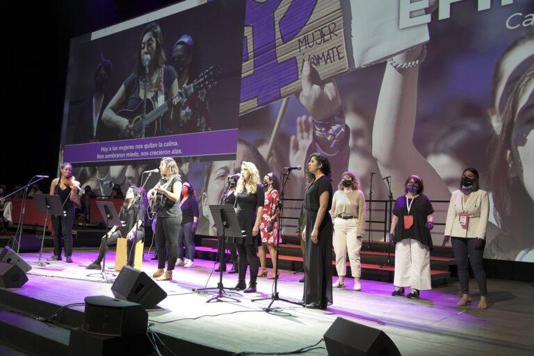 Dones del Colectivo Efímero en una actuació al 12è Congres