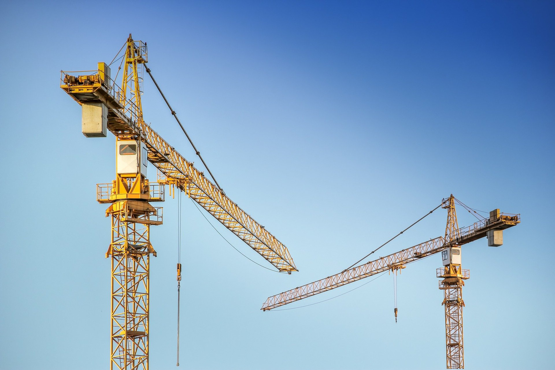 Grues del sector de la construcció
