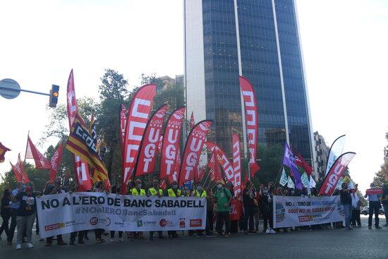 Banc Sabadell Manifestacio Diagonal
