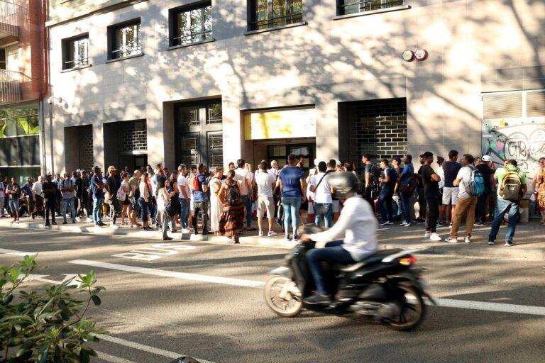 Oficina Estrangeria De Barcelona Col·lapse
